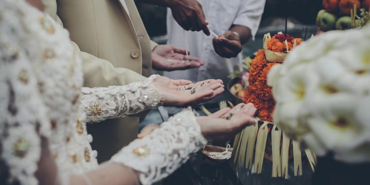 American wedding in Ubud, Balinese ceremony: Lauren and Joseph